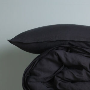 M-Home_Linen_Pillowcase_Charcoal_Double-Stitched_Detail